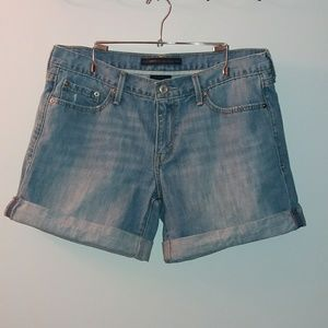 Levi's Boyfriend Jean shorts